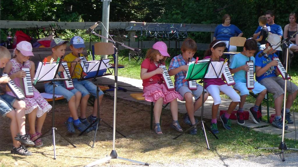 Die Melodica-AG der Grundschule Langensteinbach