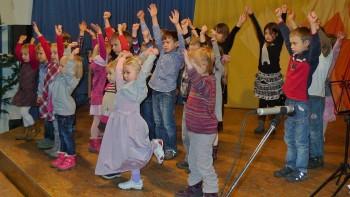 Tanz der Musikgarten-Kinder