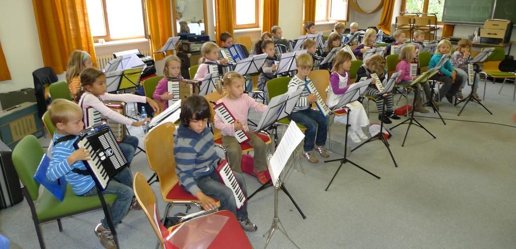 Erste Probe des Schülerorchesters am 02.10.2010