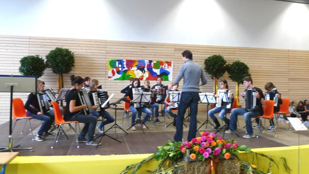Jugendorchester beim Schulfest der Albert-Schweitzer-Schule Waldbronn, 9. Oktober 2010