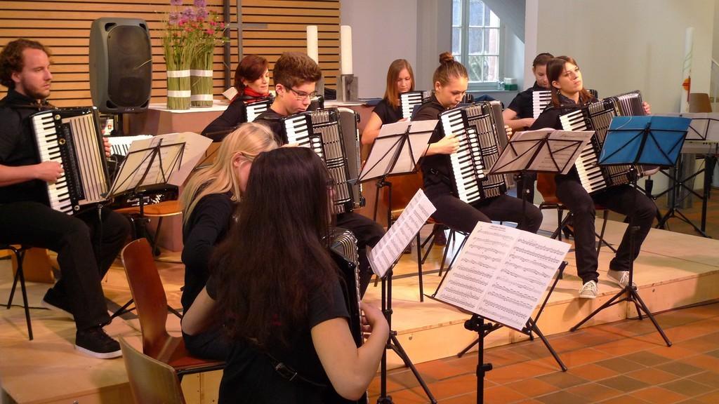 Jugendorchester bei der Nacht der Kirchenmusik in der Ludwigskirche Langensteinbach, 17. Mai 2014