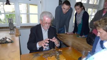 Herstellung einer Stimmplatte im Harmonika-Museum