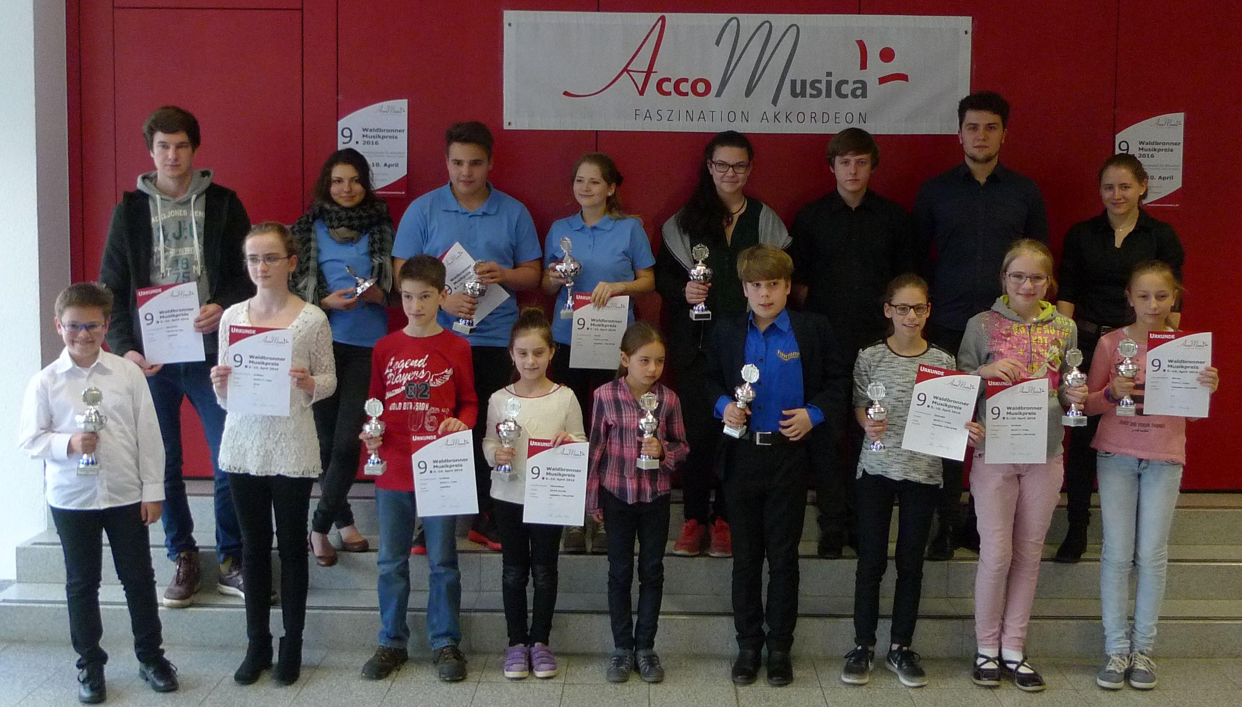 Gruppenbild der Teilnehmer am 9. Waldbronner Musikpreis 2016