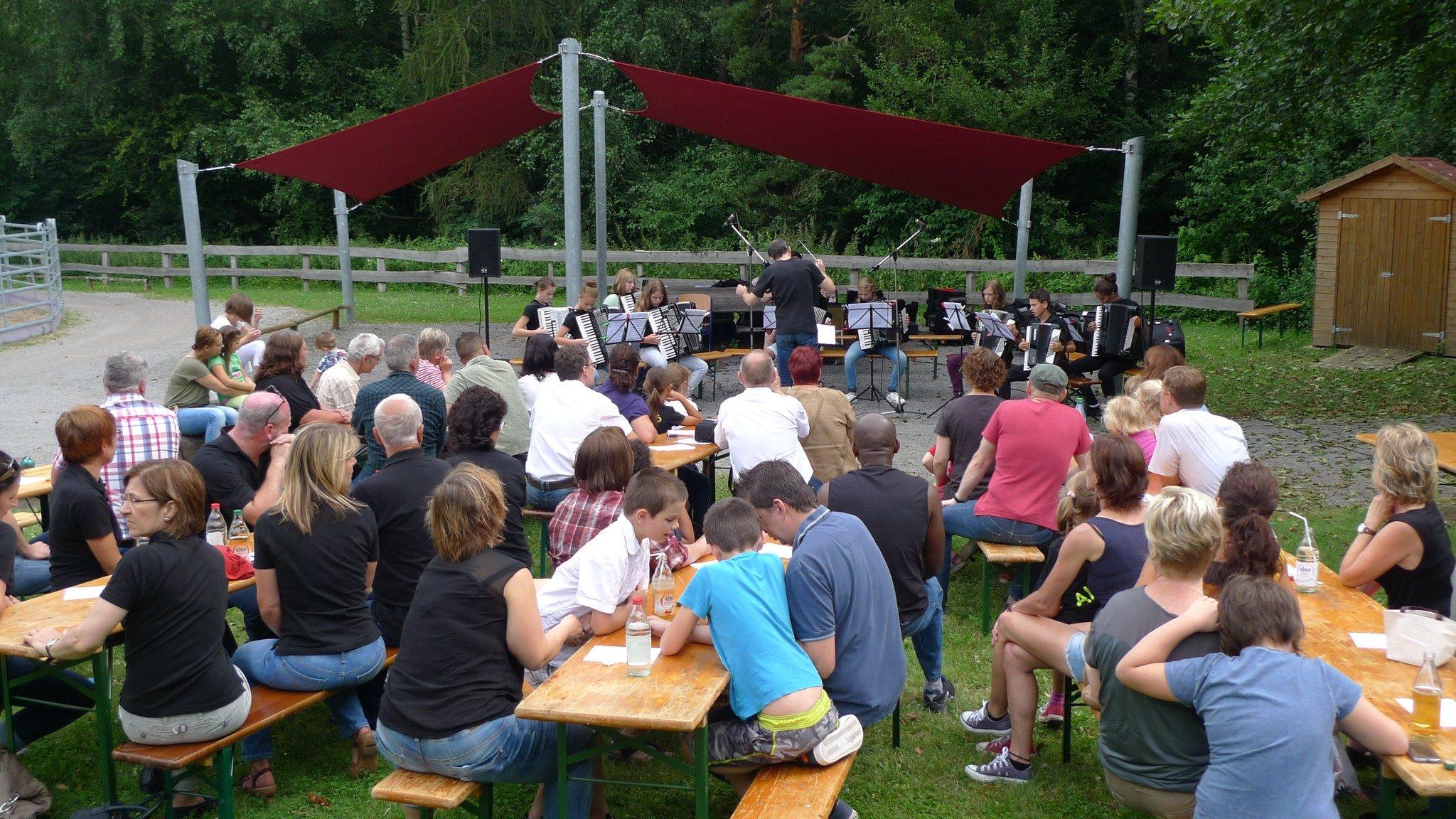 Das Jugendorchester eröffnet die Matinee im Grünen