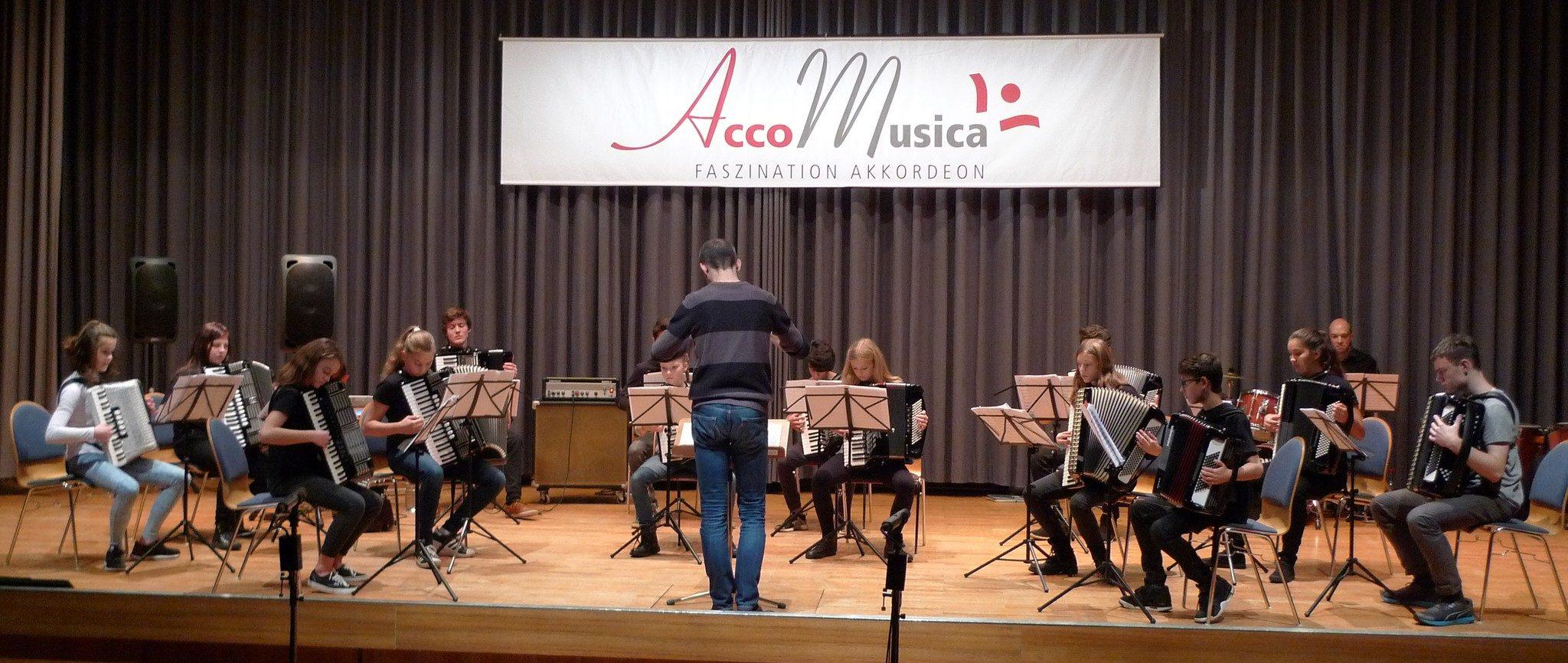 Das Jugendorchester von AccoMusica bei der Hauptprobe zum Akkordeon-Konzert 2016