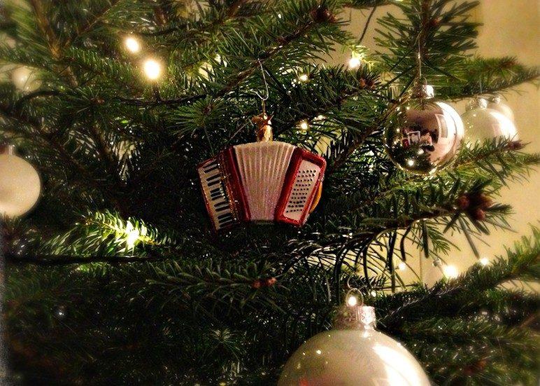 Bilder Frohe Weihnachten Und Ein Gutes Neues Jahr.Frohe Weihnachten Und Ein Gutes Neues Jahr Accomusica