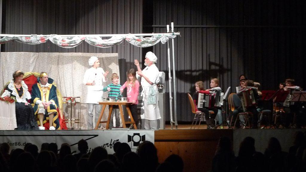 Theater und Orchester