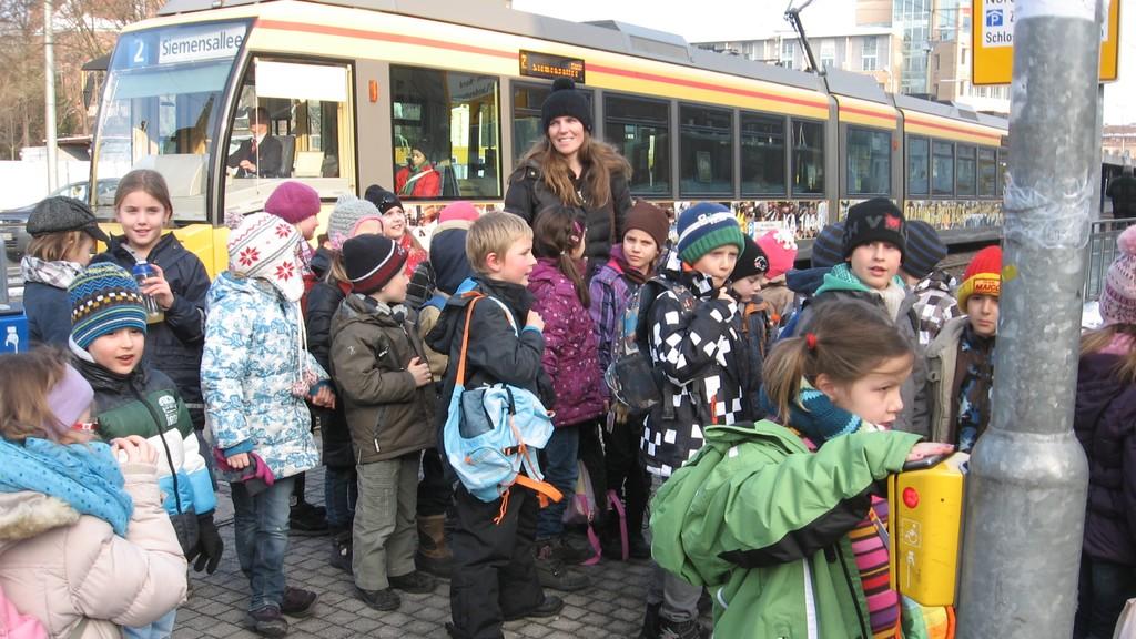 Die Melodica-Kids fahren mit der Bahn zum Sams