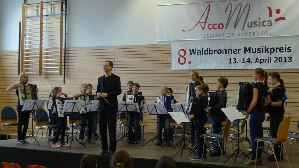 Das Schülerorchester nach seinem gelungenen Debüt