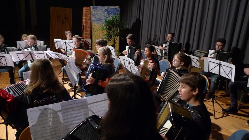 Max und Moritz - mit Musk vom Jugendorchester